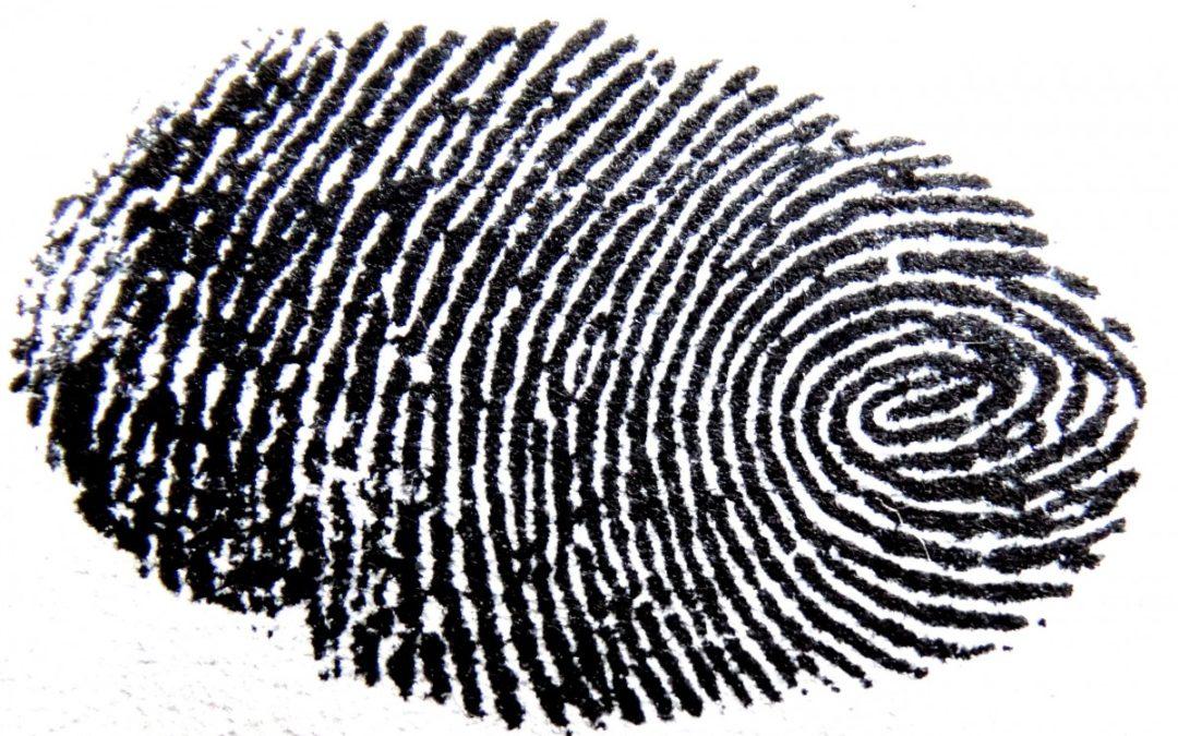 Tuszowy odcisk palca jako zamiennik własnoręcznego podpisu